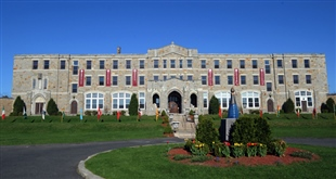 The MacDuffie School - Trường trung học nội trú tốt tại Mỹ