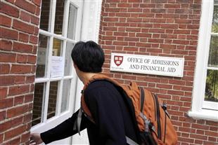 Các đợt tuyển sinh đại học Mỹ trong năm như thế nào?